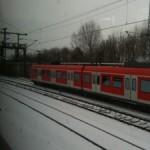 zwischen Markt Schwaben und München Riem teilen sich S- Bahn und Regionalzüge nur zwei Gleise, ein 10 Minuten- Takt ist damit unmöglich