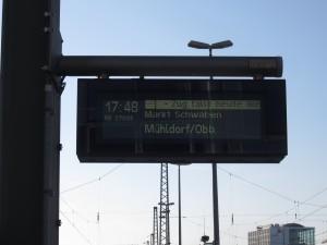 Überraschung am Bahnsteig: Ein Zug der Südostbayernbahn fällt aus...